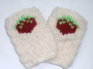 Strawberry Patch Handwarmers by Rebekah Evelyn