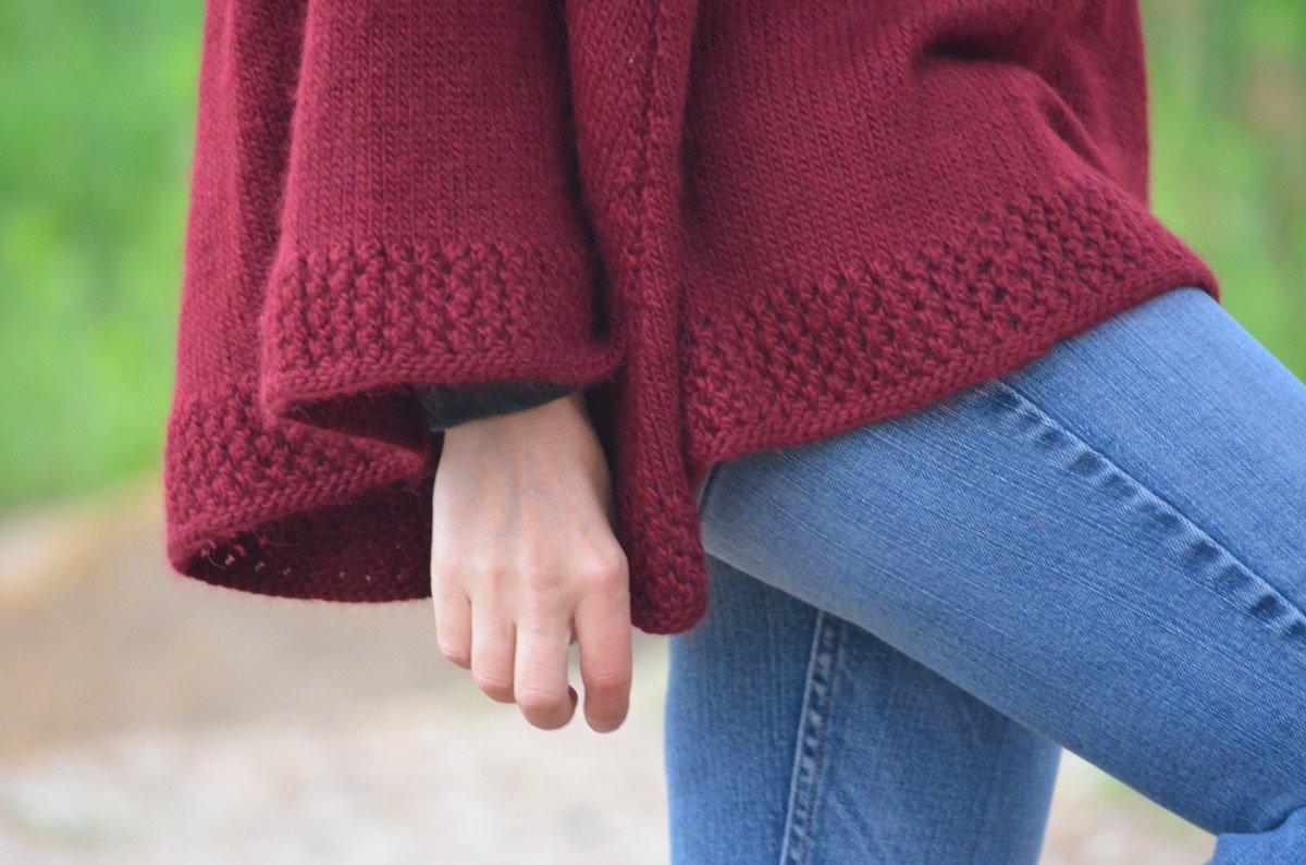 Caroling Cape Knitting Pattern : Alado Poncho